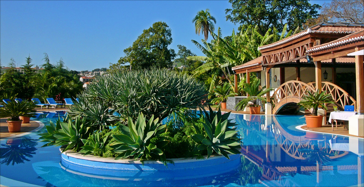 Tropical pool at Quinta Jardins do Lago